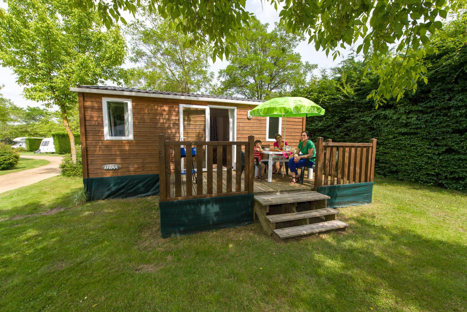 Location - Cottage Standard 26M² (2 Chambres) - Camping Sites et Paysages Domaine de L'Étang