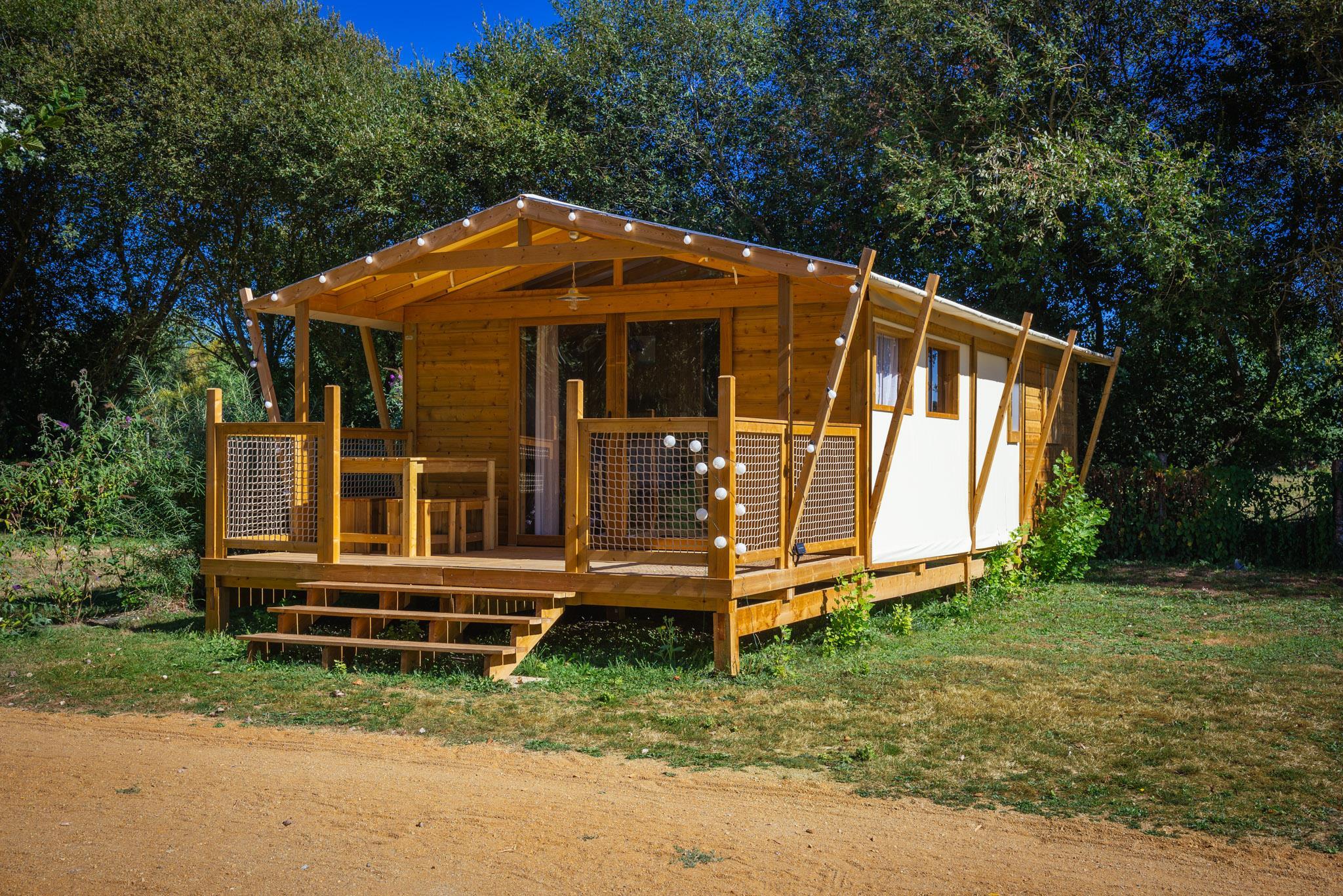 Location - Chalet Premium (2 Chambres) 32M² (Avec Sanitaires) - Camping Sites et Paysages Domaine de L'Étang