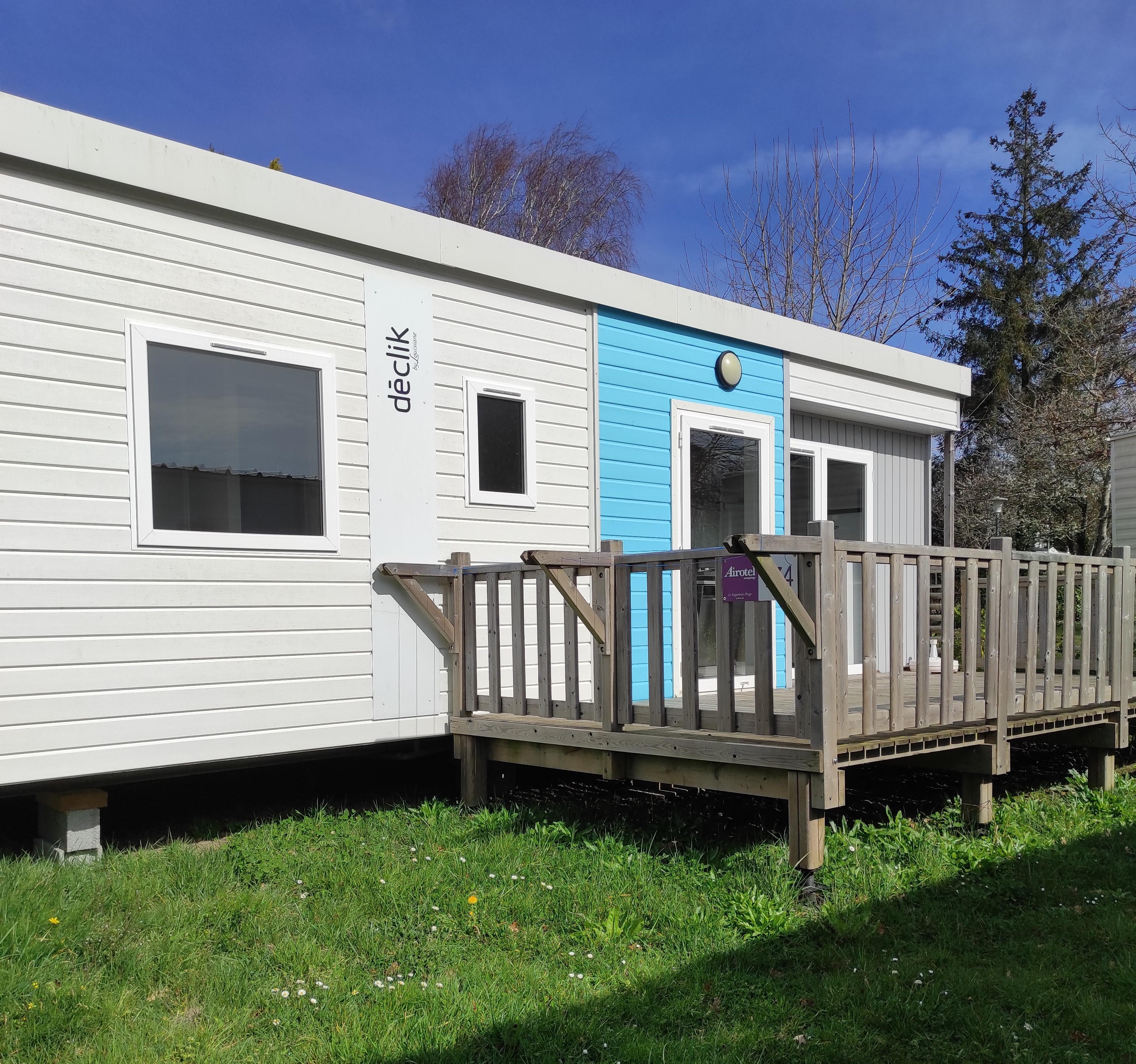 Location - Mobilhome Declik 3 Chambres 35.2M² - Terrasse Façade - Camping International Le Raguenès Plage