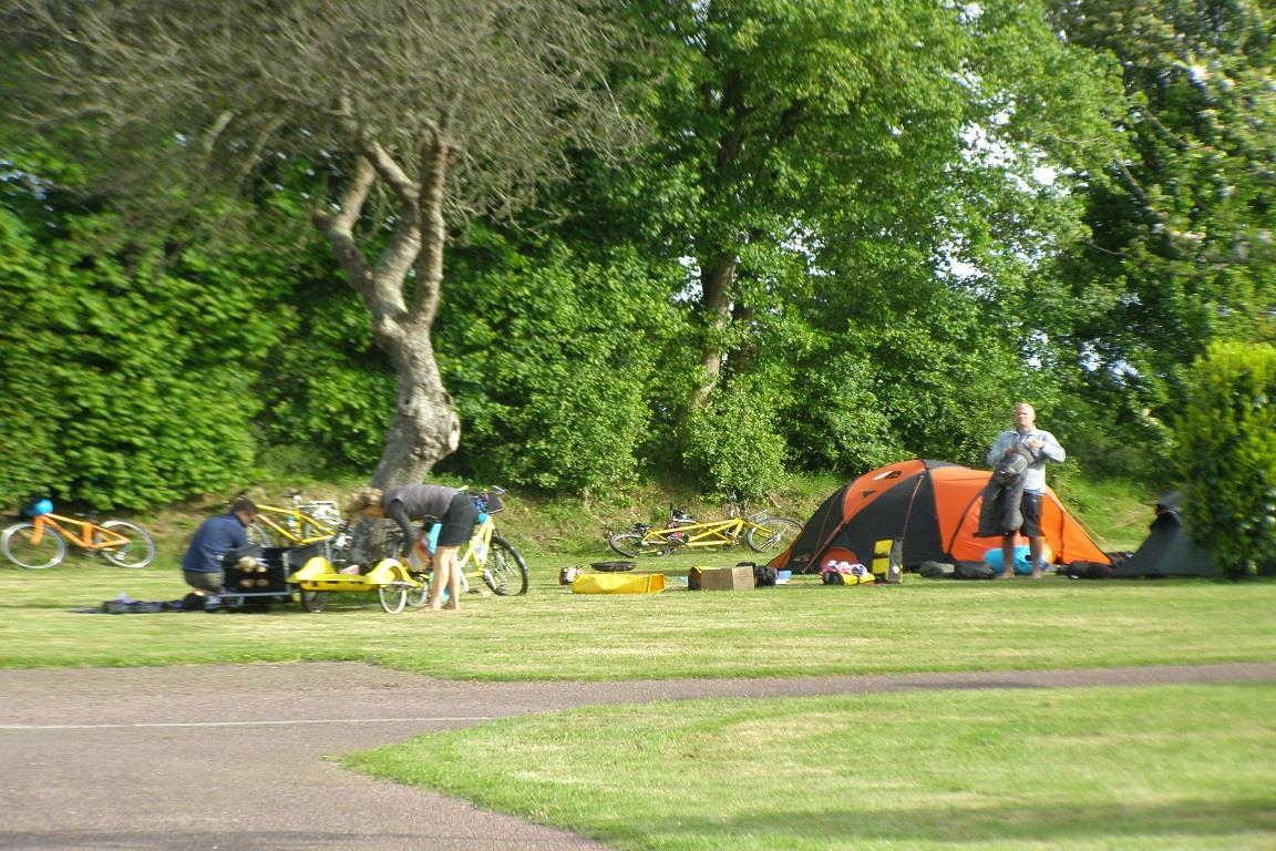 Emplacement - Emplacement  Pour Les Cyclistes - Camping L'Étang des Haizes