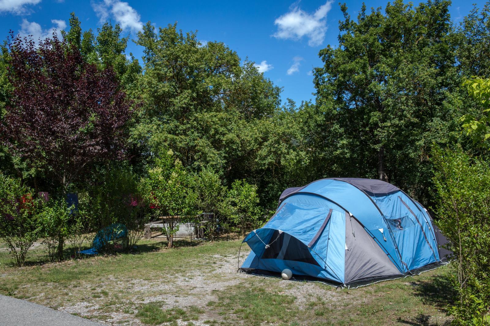 Emplacement - Forfait Emplacement Confort Grande Taille 120M² + Électricité (1 À 8 Personnes) - Camping Terra Verdon-Ciela Village