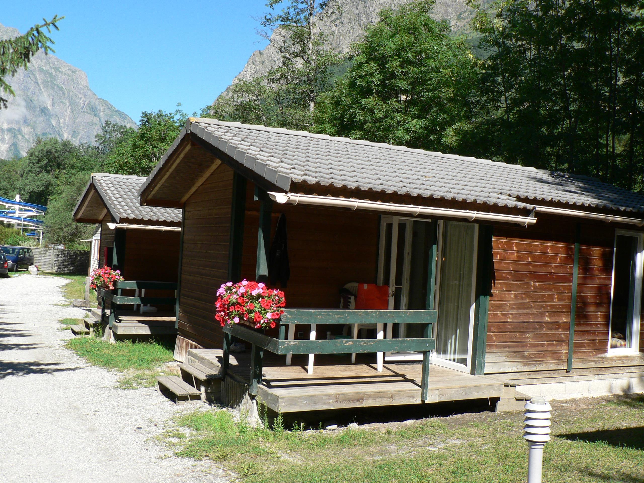 Location - Chalet Alizée - 30M² - 2 Chambres - Camping Le Champ du Moulin