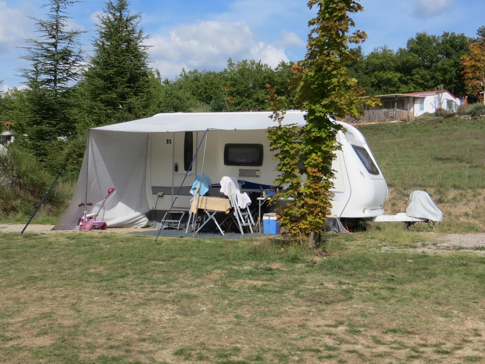 Emplacement - Emplacement Privilège (Vue Dégagée, Eau/Electricité À Proximité) - Camping Domaine Naturiste des Lauzons