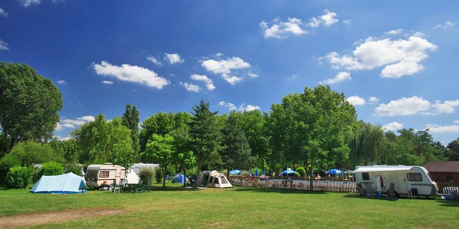 Emplacement - Emplacement : Camping Car - Véhicule Caravane/Caravane Pliante/Tente - Camping La Belle Étoile