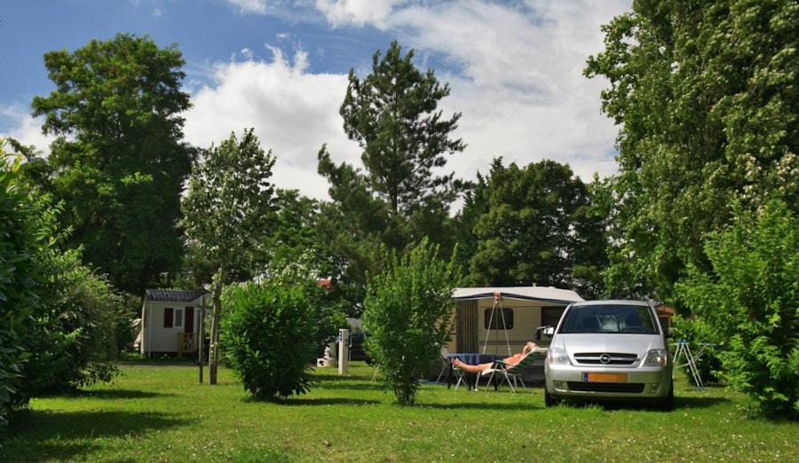 Camping La Belle Étoile - Melun (La Rochette)
