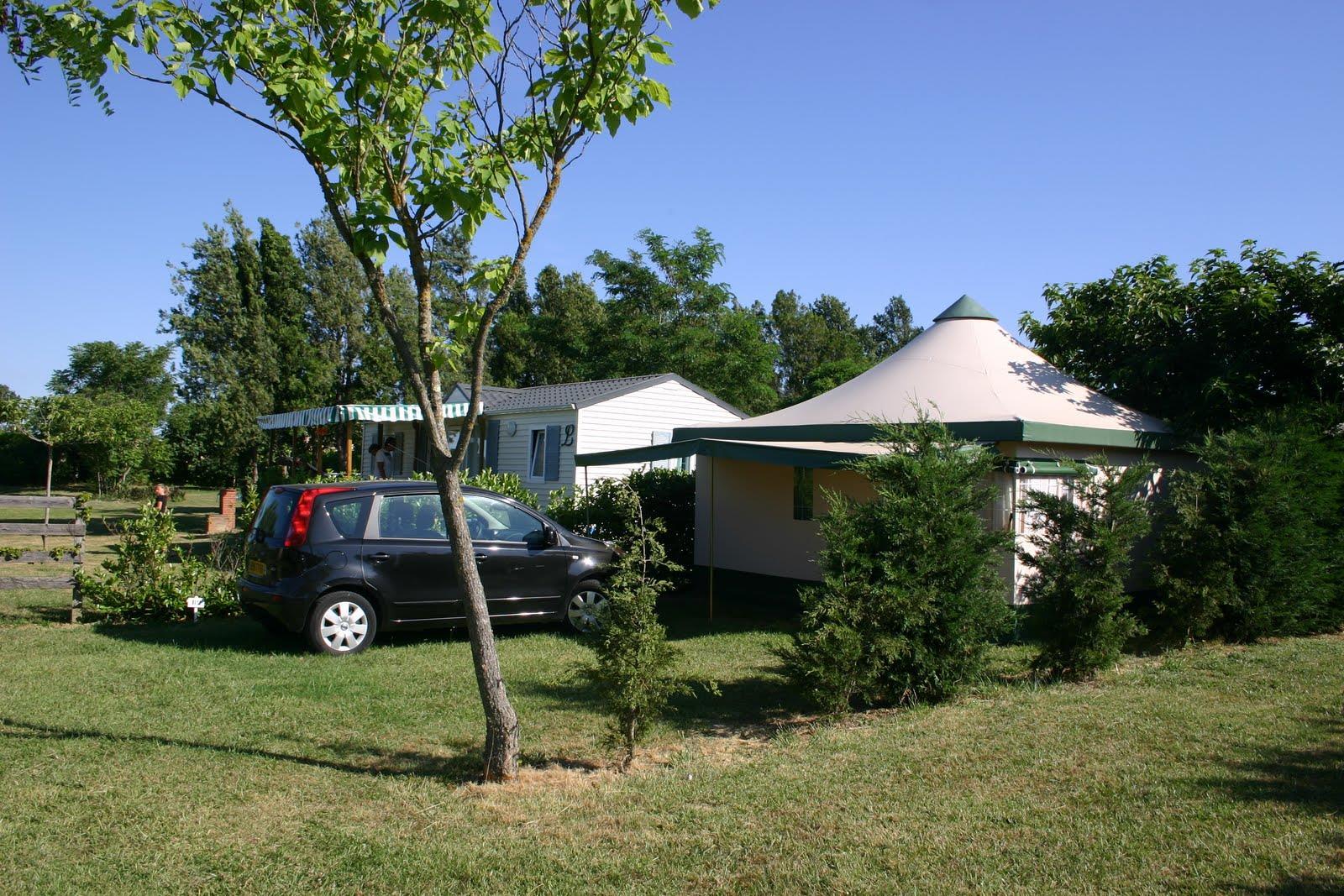 Bungalow toilé 2 chambres 25 m² - sans sanitaire- ( 4 Modèles sur le camping)
