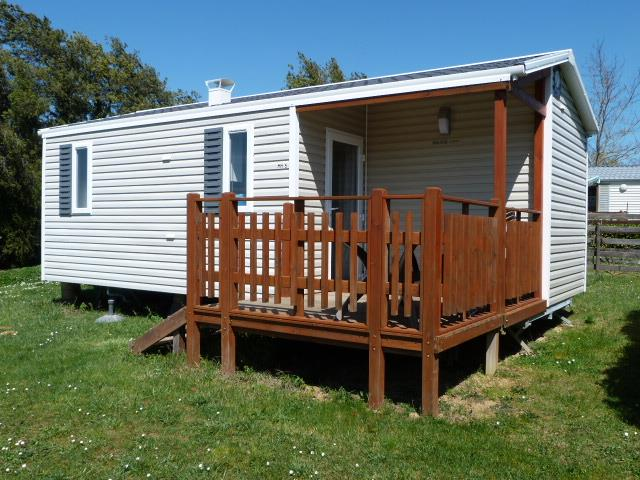 Mobil-home 2 chambres modèle Malaga 2012 + terrasse d'angle couverte (2 Modèles sur le camping)