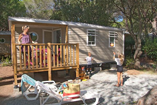 Location - Mobil-Home Strelizia  27M² - 2 Chambres/Terrasse Intégrée - Camping La Baume La Palmeraie