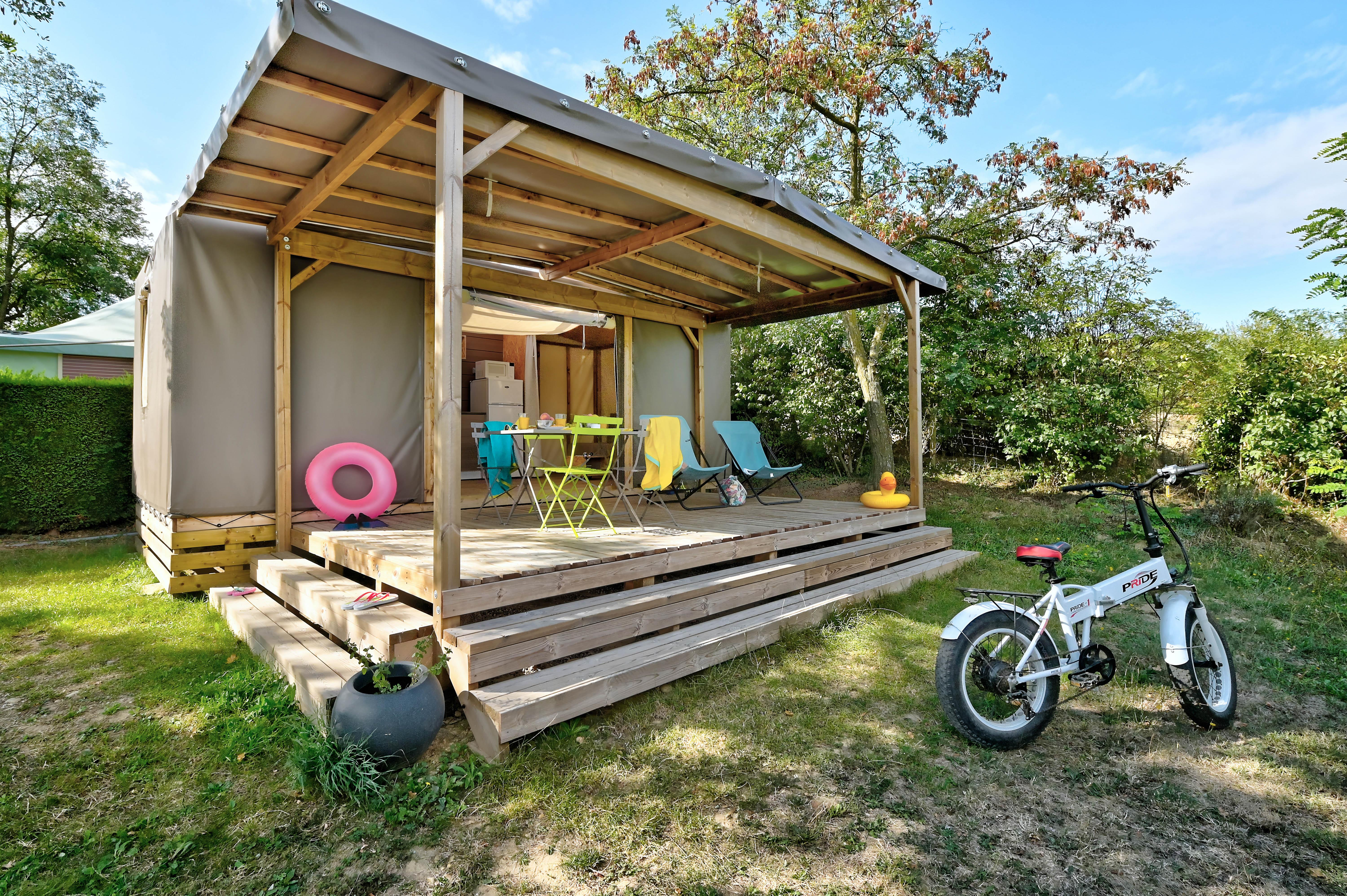 Accommodation - Bengalow Toilé Bois Maori 17 M2 2/4 Pers - Flower Camping La Chataigneraie