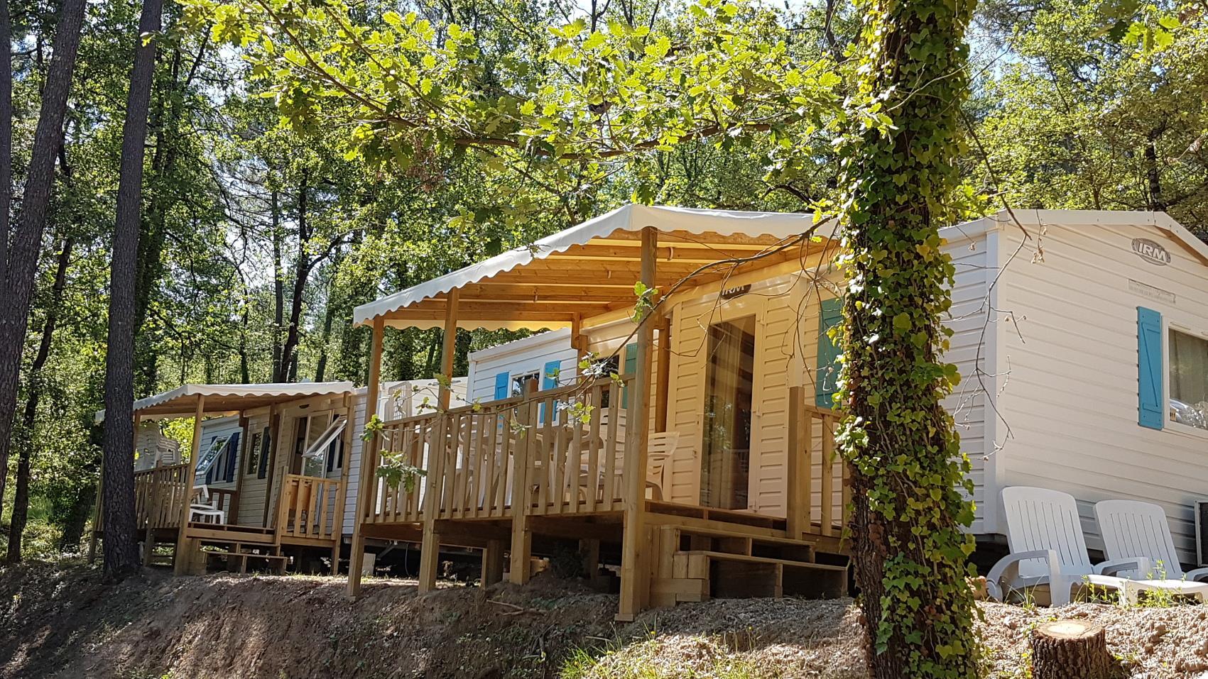 Location - Riviera - 3 Chambres - Climatisé - 32 M² - Année 2009 - Avec Sanitaire Et Terrasse (12) - Camping Club Le Ruou