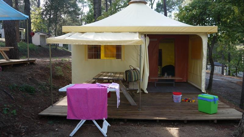 Location - Campeur - 2 Chambres - 20.3M² - Relooké En 2015 - Sans Sanitaire - Avec Terrasse (12) - Camping Club Le Ruou