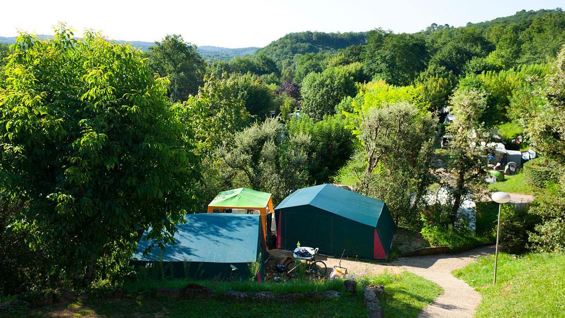Emplacement - Emplacement Tente 2 Personnes Incluses - Camping Les Grottes de Roffy