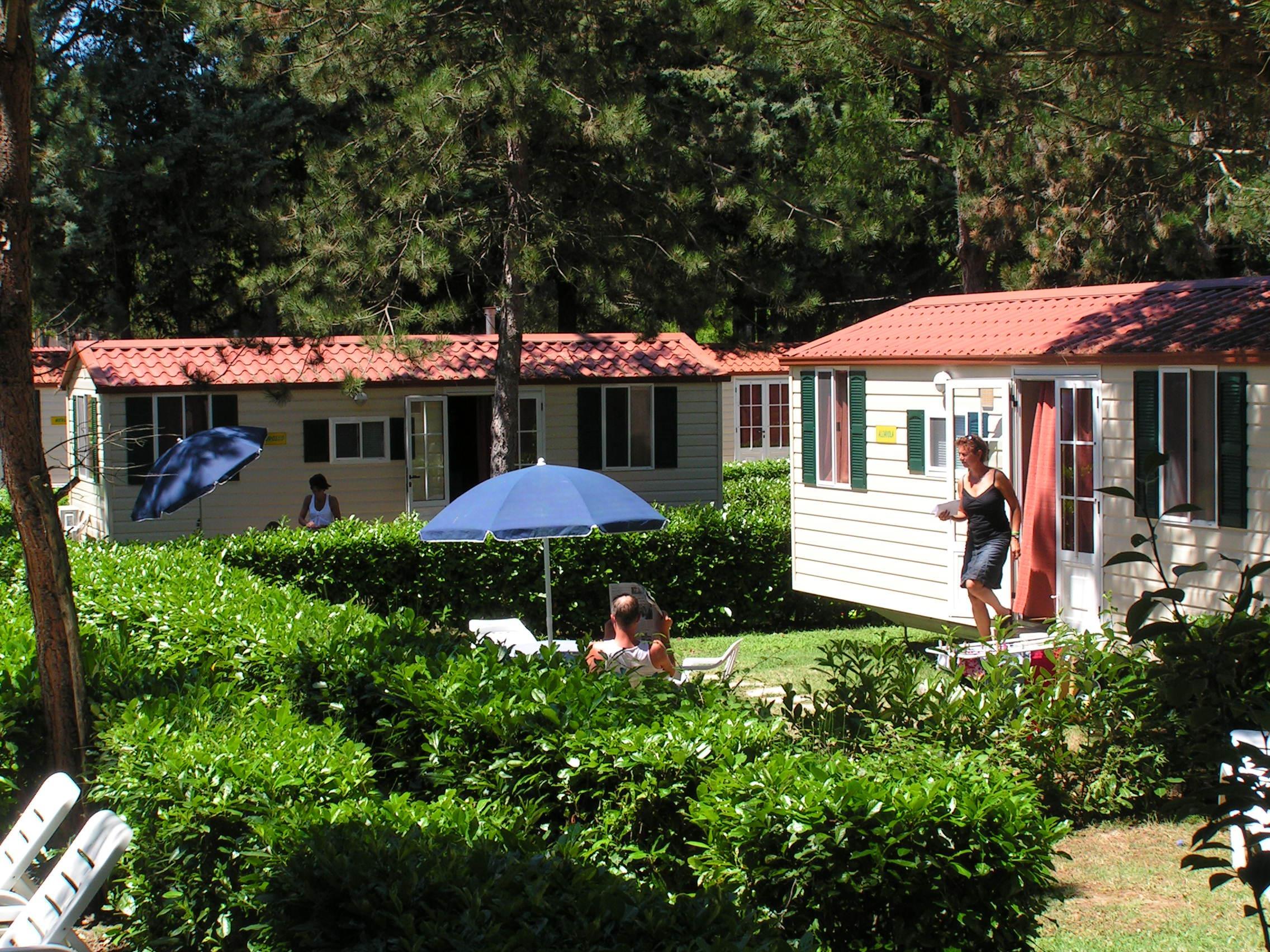 Casa Mobile SUPERIOR 24 m² - 4 posti letto + 2 persone extra nella zona giorno - 1 bagno - giardino - aria condizionata opzionale