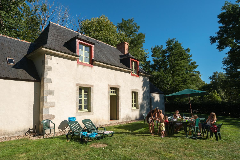 Location - Maison Du Parc - 4 Chambres 2 Salles De Bain - 160 M² + Jardin - Camping Castel L'Orangerie de Lanniron