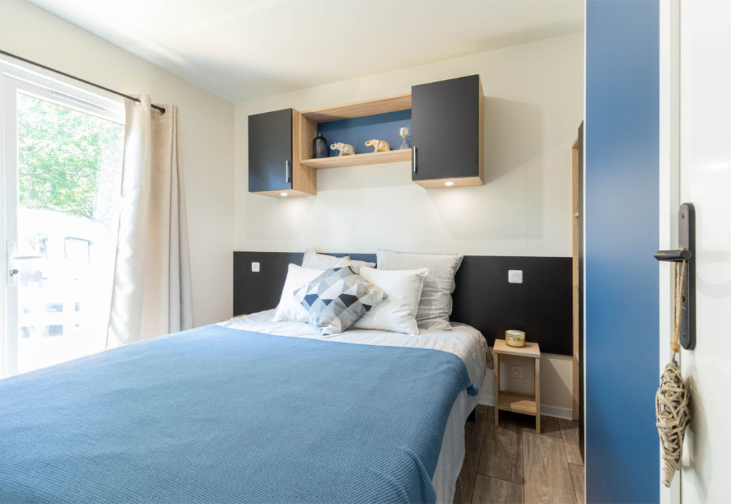 Location - Lodge Nature Luxe 3 Chambres 2 Salles De Bain - Draps Fournis - Camping Castel L'Orangerie de Lanniron