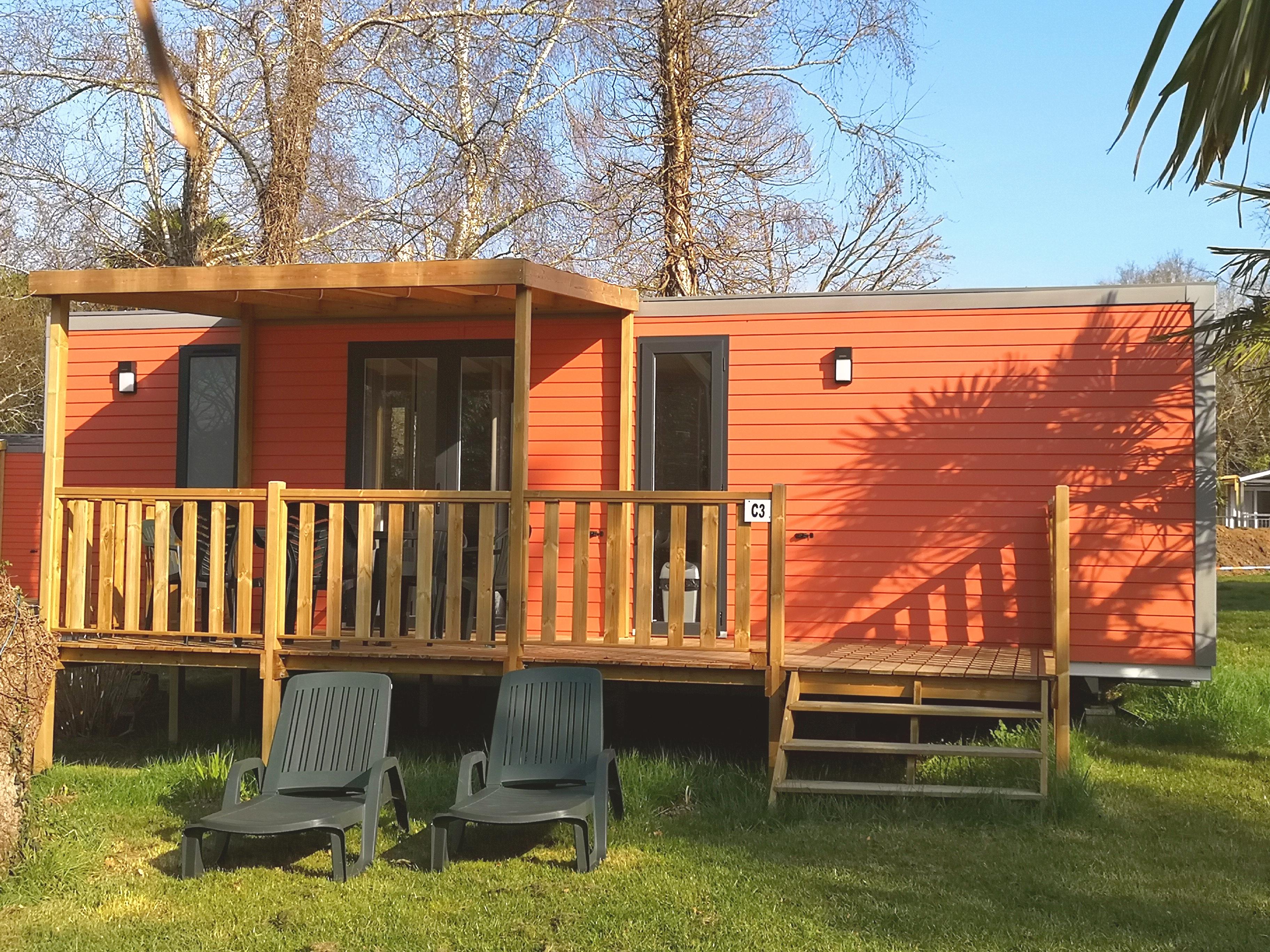 Location - Cottage Premium 3 Chambres 1 Salle De Bain 35 M² + Grande Terrasse En Bois Semi Couverte 15 M² - Nouveau 2020 - Camping Castel L'Orangerie de Lanniron