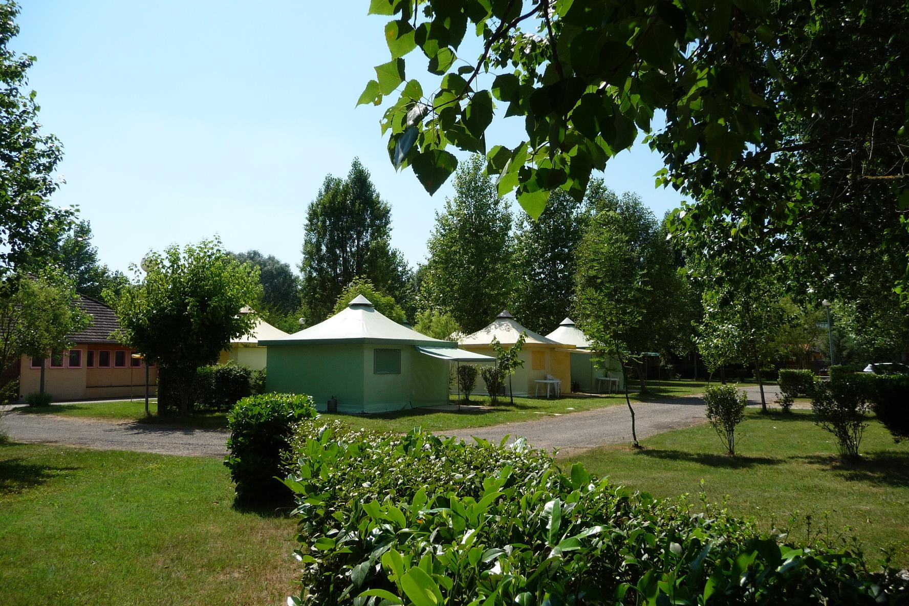 Accommodation - Canvas Bungalow Nautic 20M² Without Toilet Blocks - Camping Ile de la Comtesse