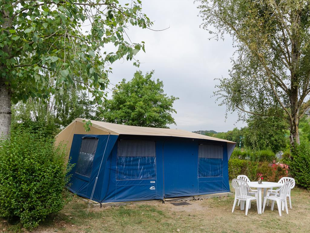 Accommodation - Tent Zodiac 25M² 2-3 Bedrooms Without Toilet Blocks - Camping Ile de la Comtesse
