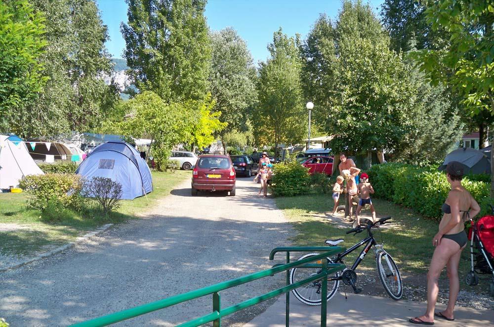 Camping Ile de la Comtesse, Murs-et-Gélignieux, Ain