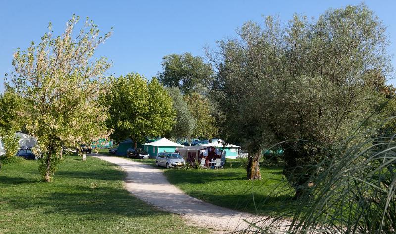 Camping les Bords de Loue, Parcey, Jura