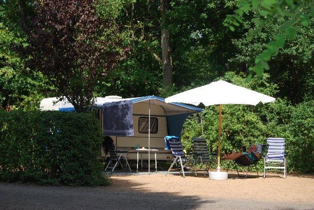 Camping Chateau de Grangefort, Les Pradeaux, Puy-de-Dôme