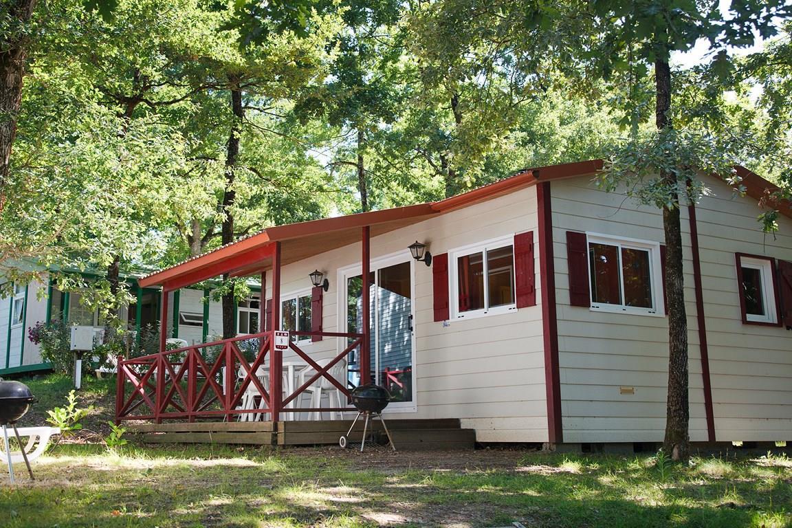 Location - Chalet - 2 Chambres - 1 Salle De Bain - Classique - Camping Castel Parc de Fierbois
