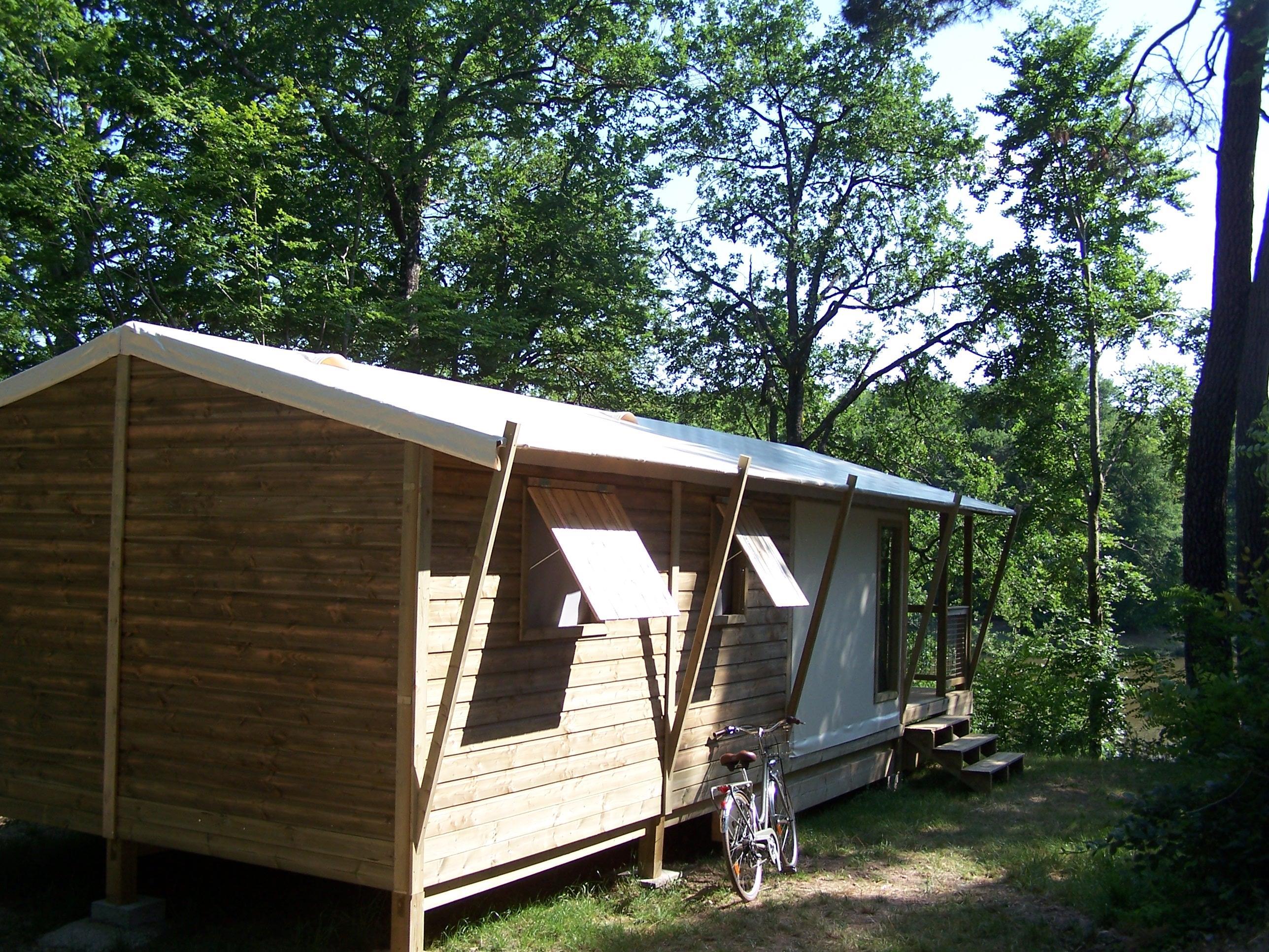 Location - Chalet - 2 Chambres - 1 Salle De Bain - Lodge - Camping Castel Parc de Fierbois