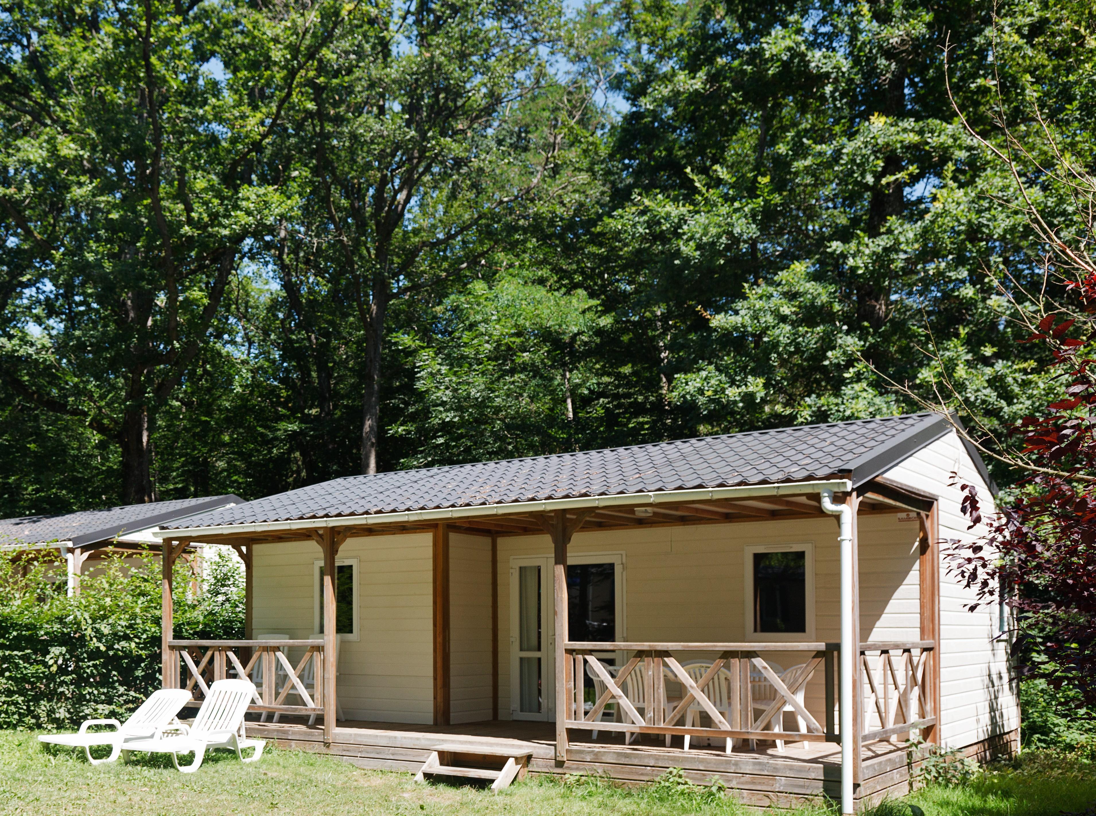 Location - Chalet - 3 Chambres - 1 Salle De Bain - Standard - Camping Castel Parc de Fierbois