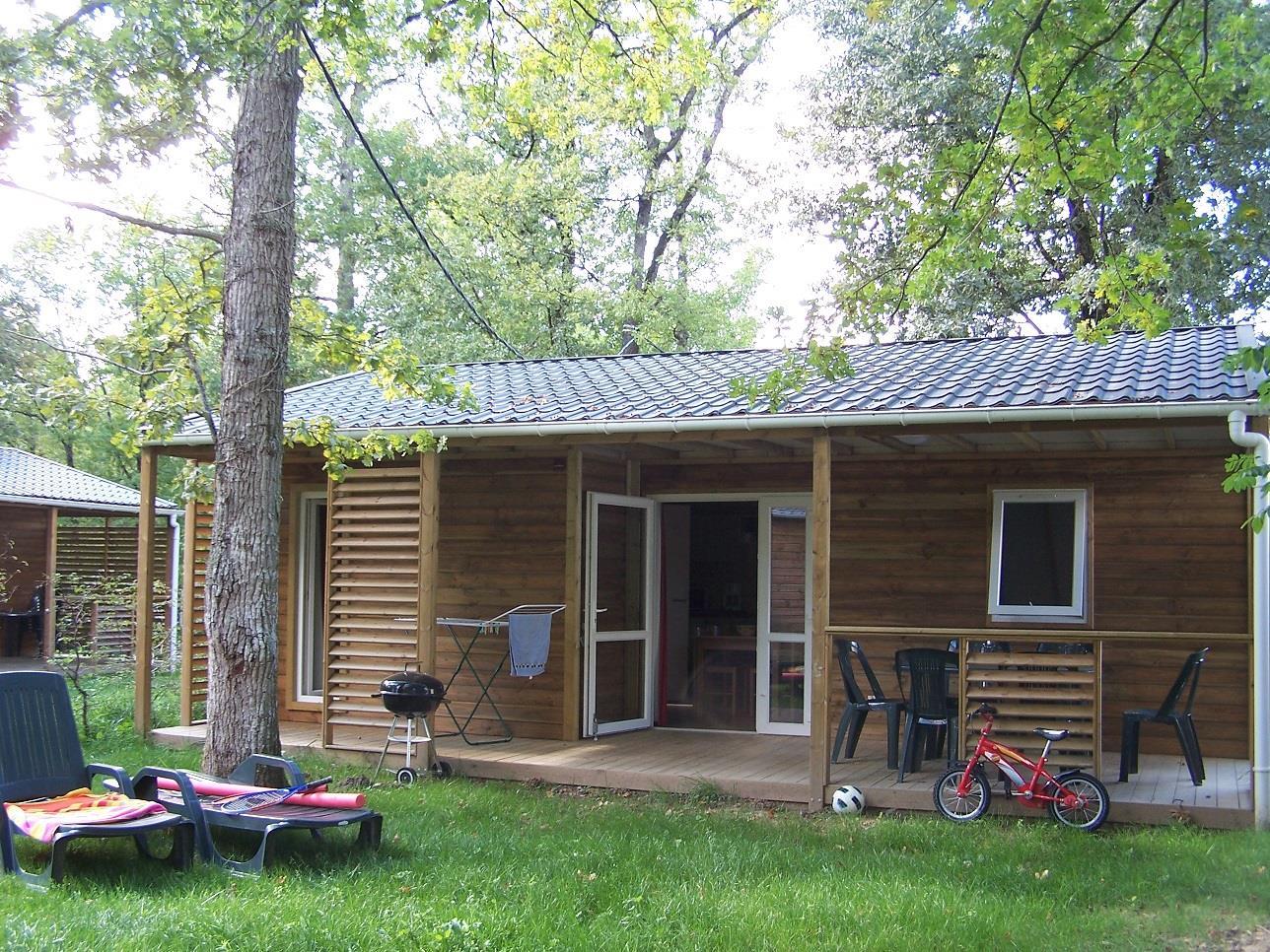 Location - Chalet - 3 Chambres - 1 Salle De Bain - Vue Sur Lac - Camping Castel Parc de Fierbois