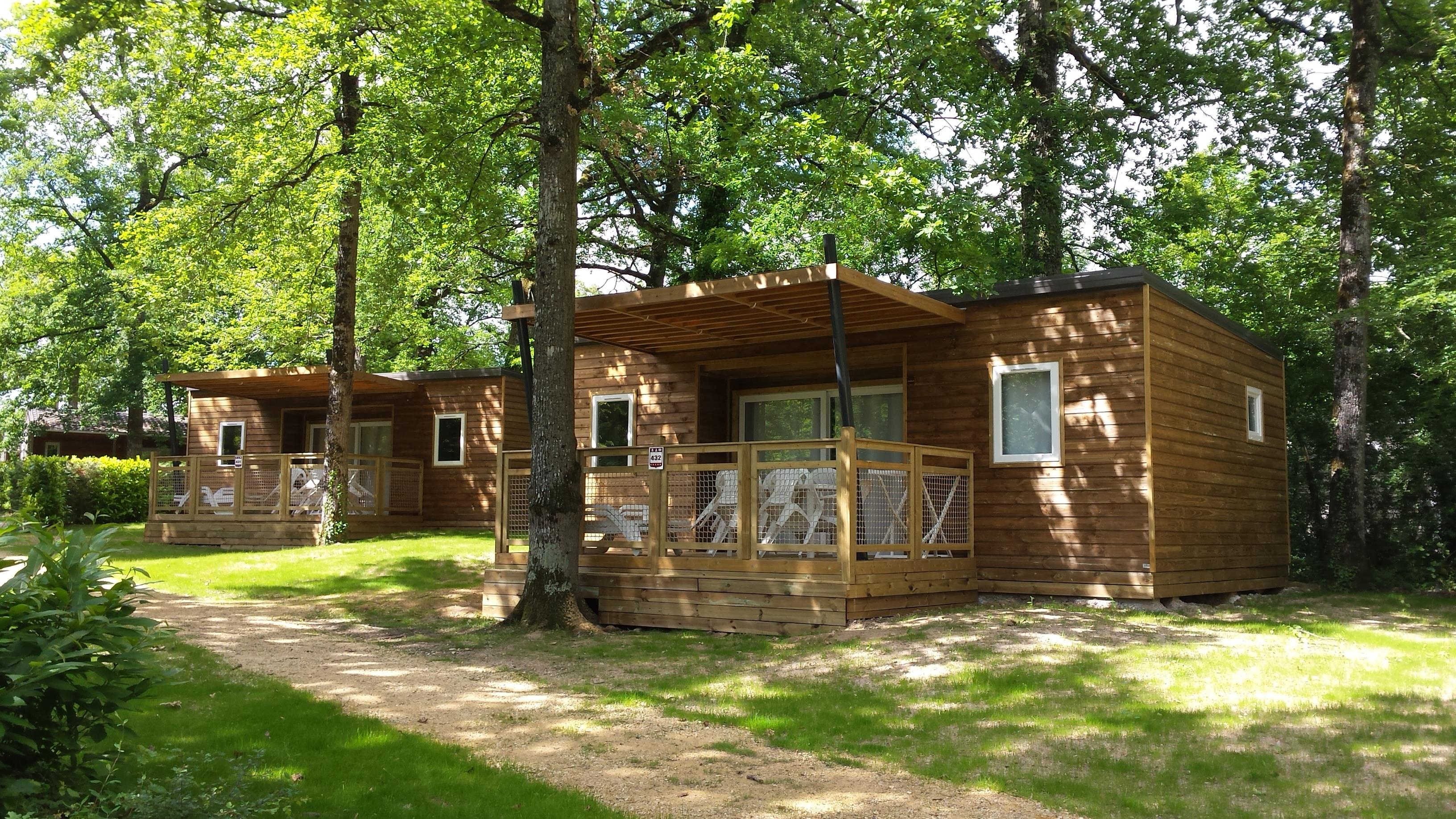 Location - Chalet - 3 Chambres - 1 Salle De Bain - Confort - - Camping Castel Parc de Fierbois