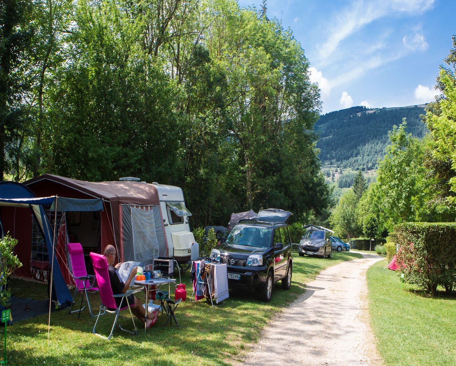 Emplacement - Emplacement Forfait Standard (Tente, Caravane, Camping-Car) + Véhicule Sans Électricité - Camping Le Jardin des Cévennes