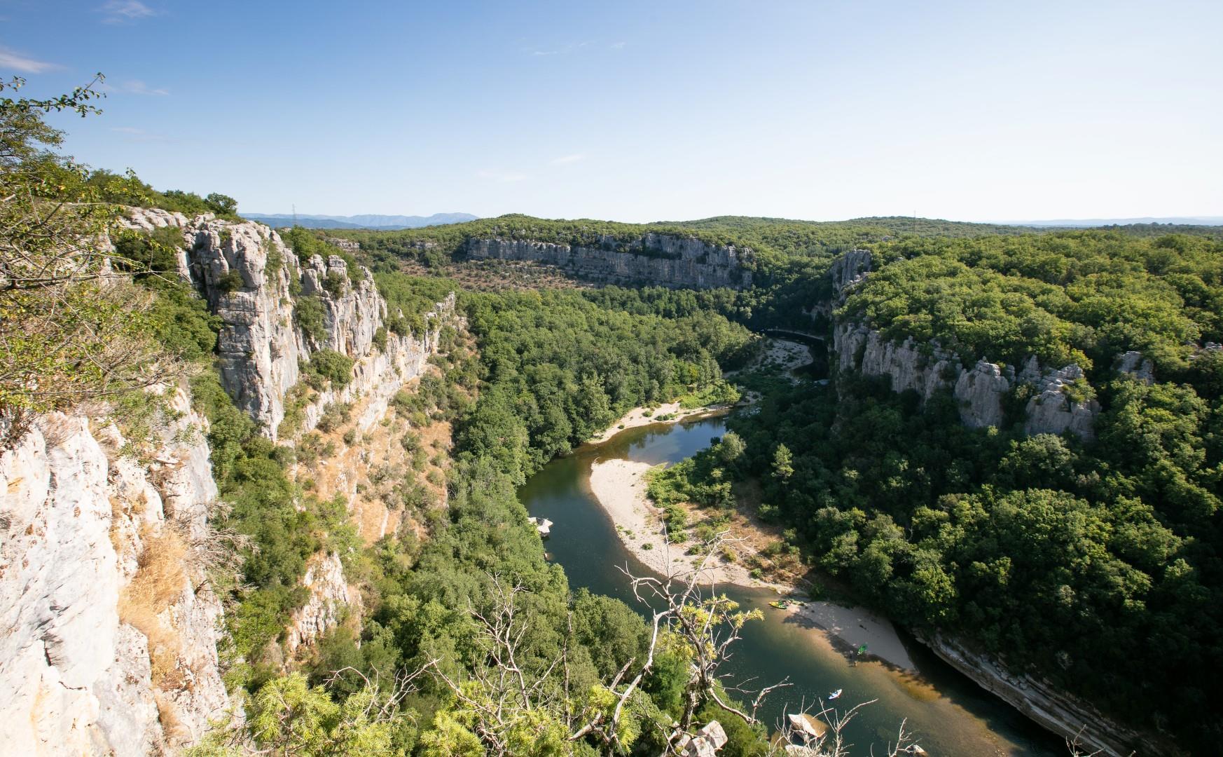 Camping Domaine des Chênes, Les Vans, Ardèche