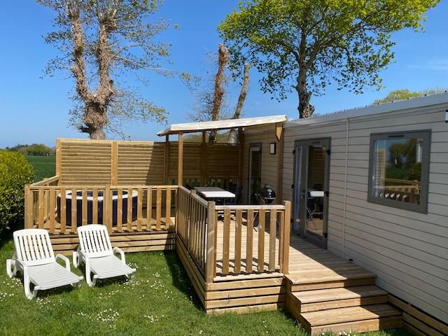 Location - Mobilhome Iroise Premium 2 Chambres 2 Salles De Bain Avec Spa Privatif - Camping Sites et Paysages Bellevue