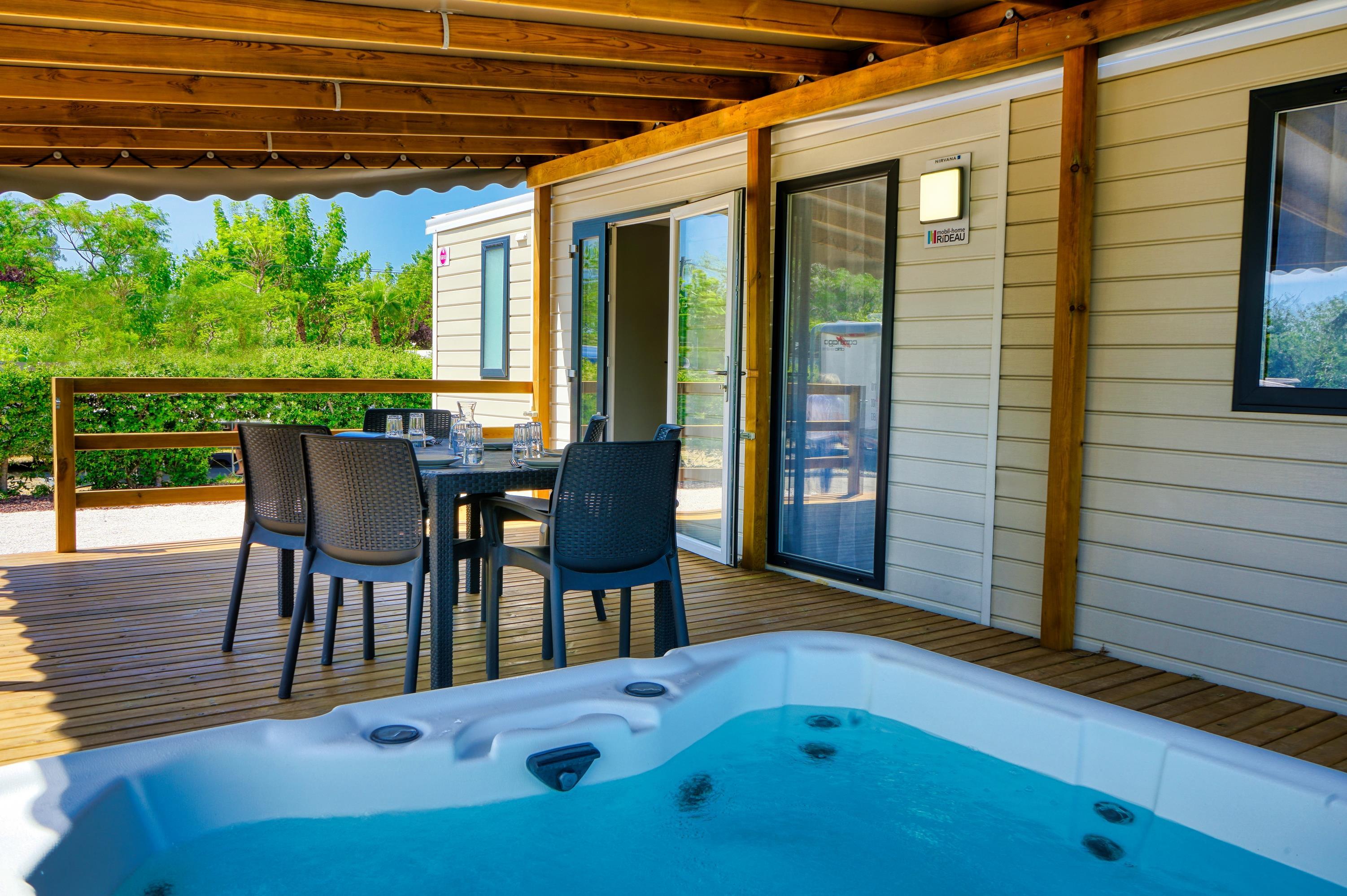 Location - Mobilhome Jacuzzi (Climatisation + Tv + Lave-Vaisselle + Jacuzzi) - Camping Domaine des Champs Blancs