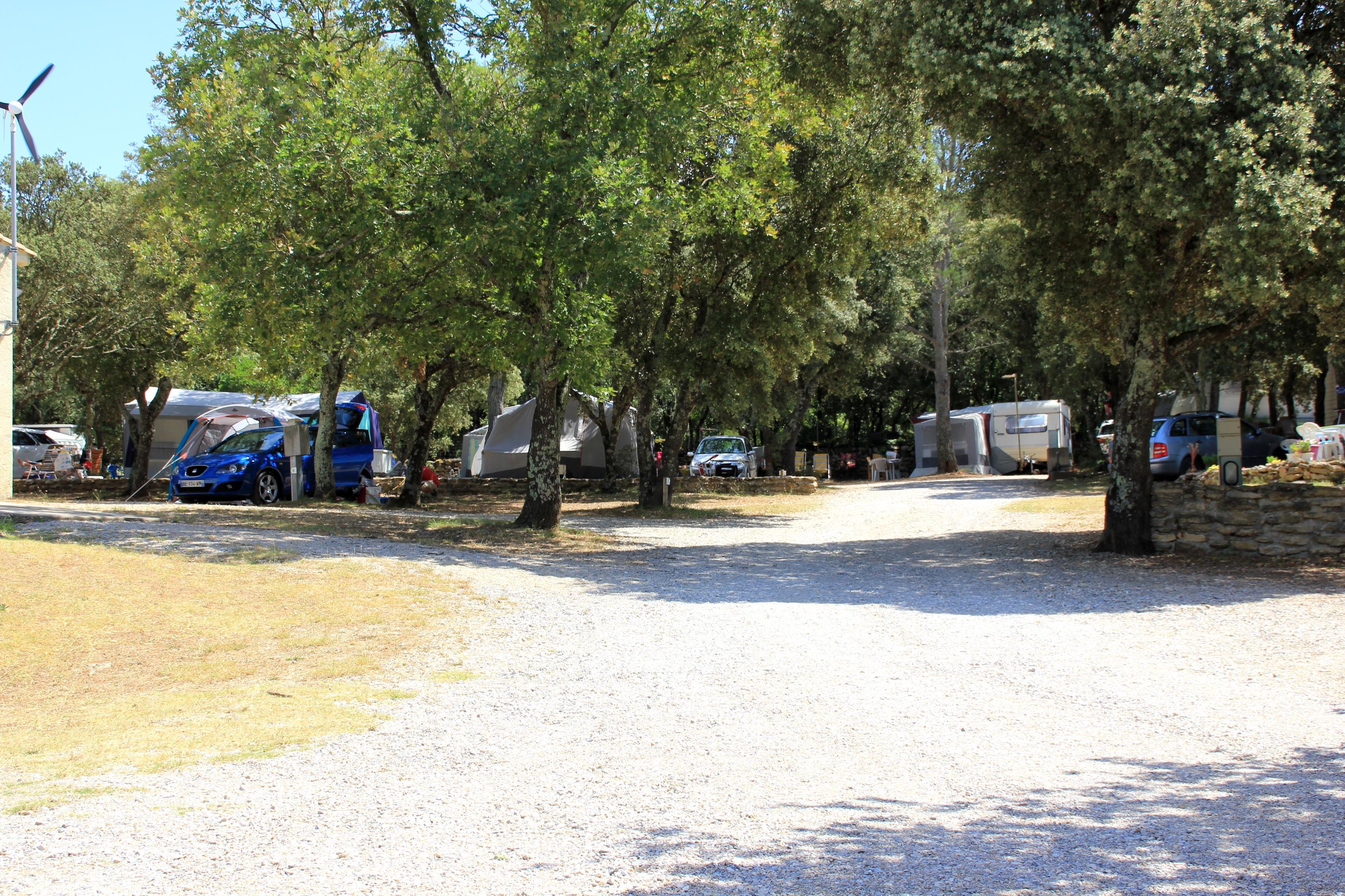 Camping les Chênes, Junas, Gard