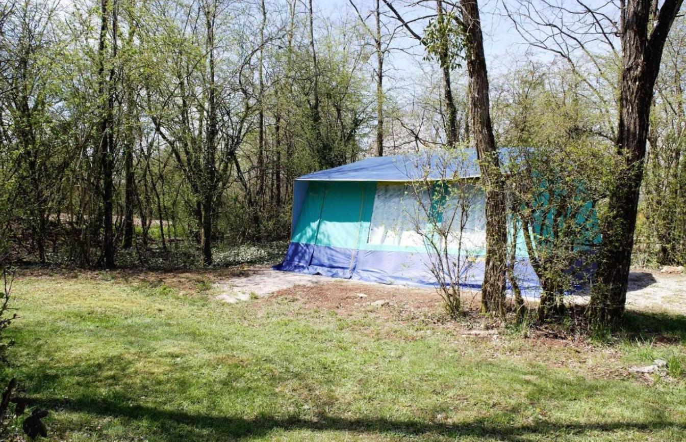 Emplacement - Emplacement Tente - Camping La Croix d'Arles
