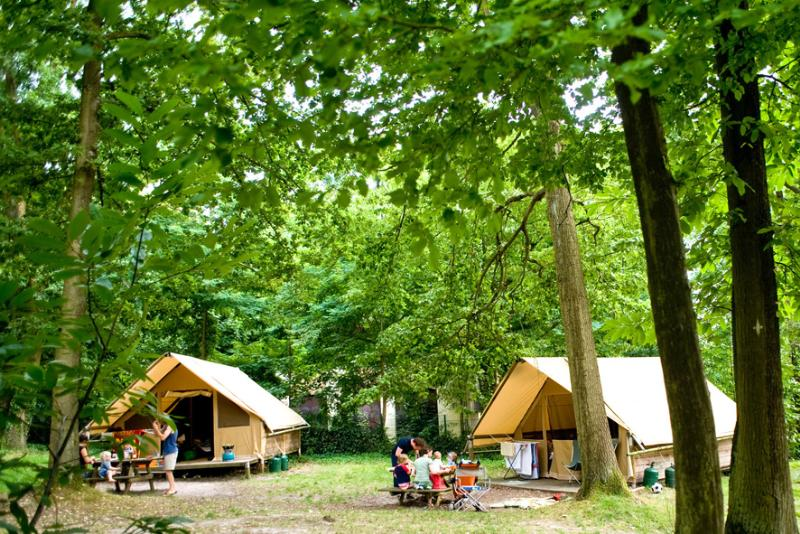 Location - Tente Canadienne - Huttopia Versailles