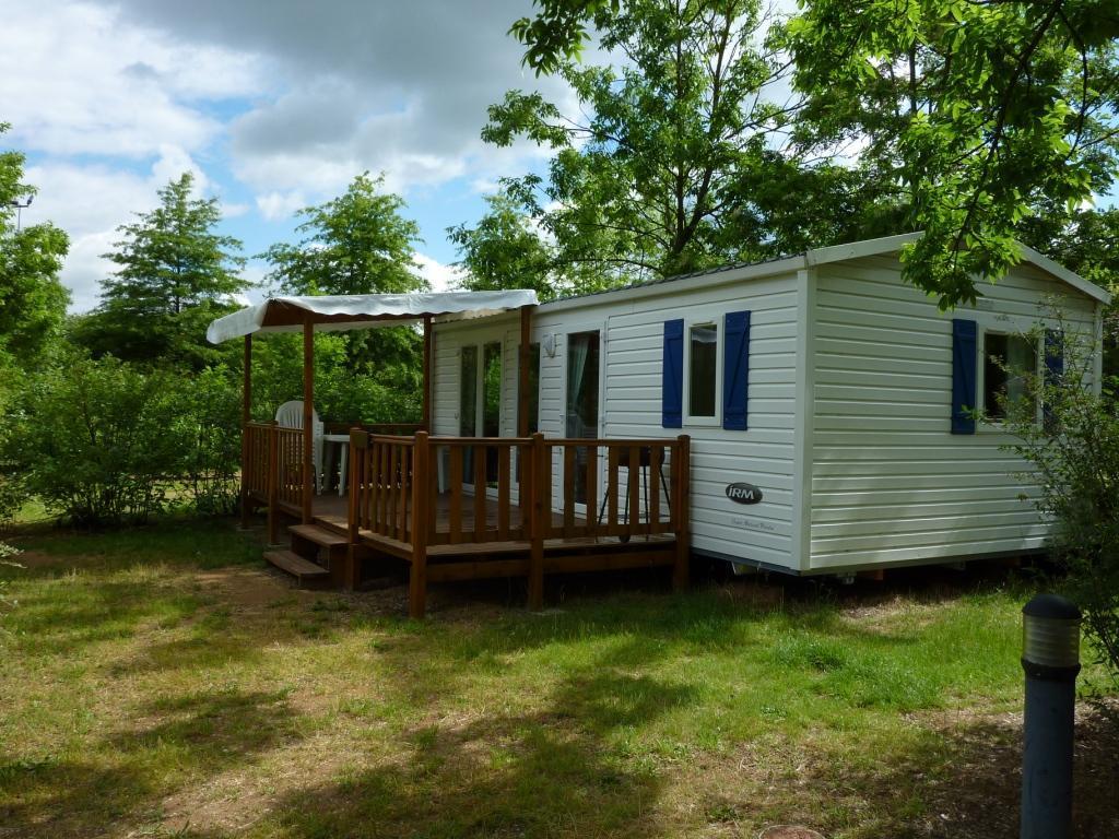 Camping Base de Loisirs Cormoranche, Cormoranche-sur-Saône, Ain