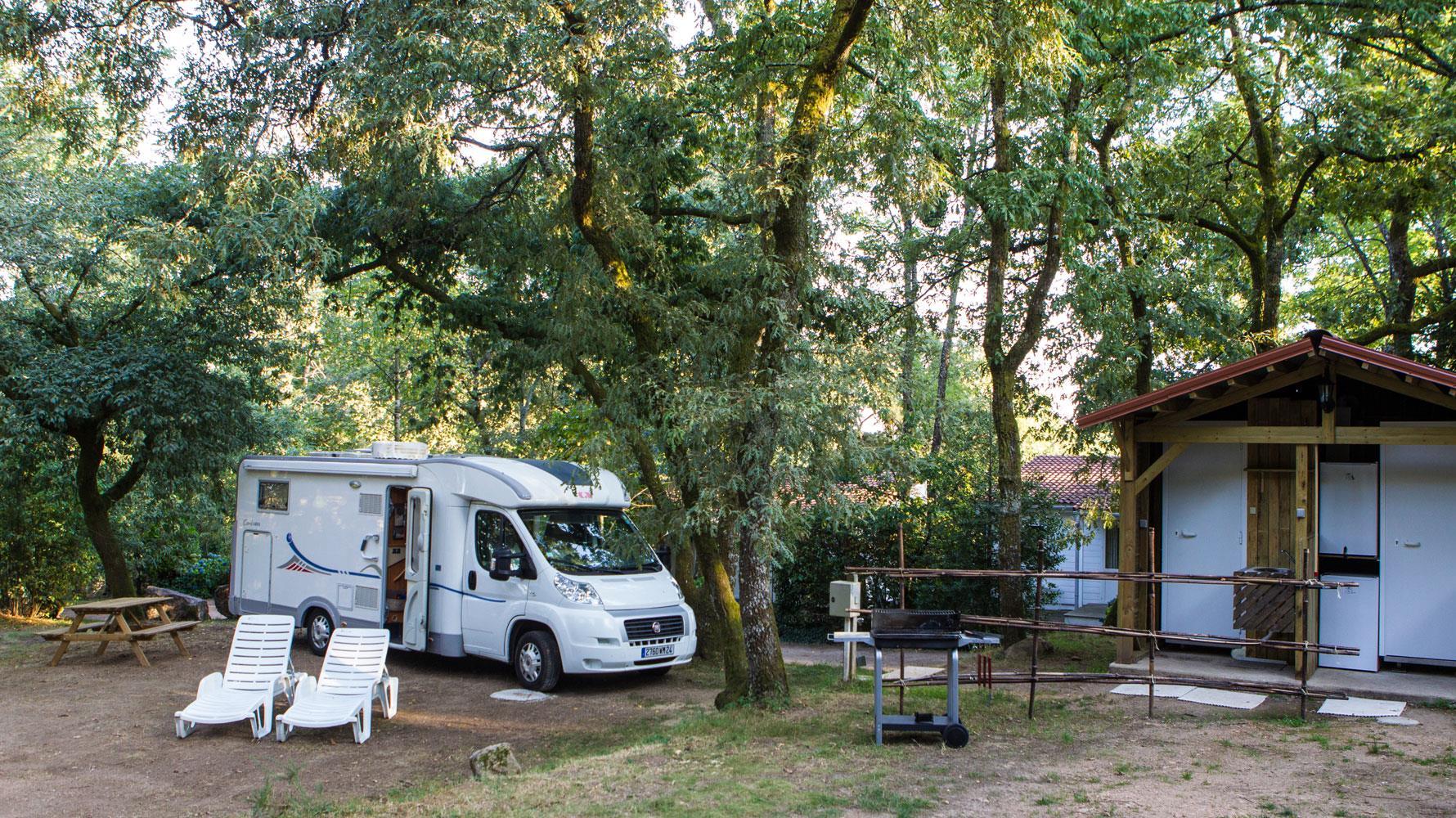 Camping Chateau le Verdoyer, Champs-Romain, Dordogne