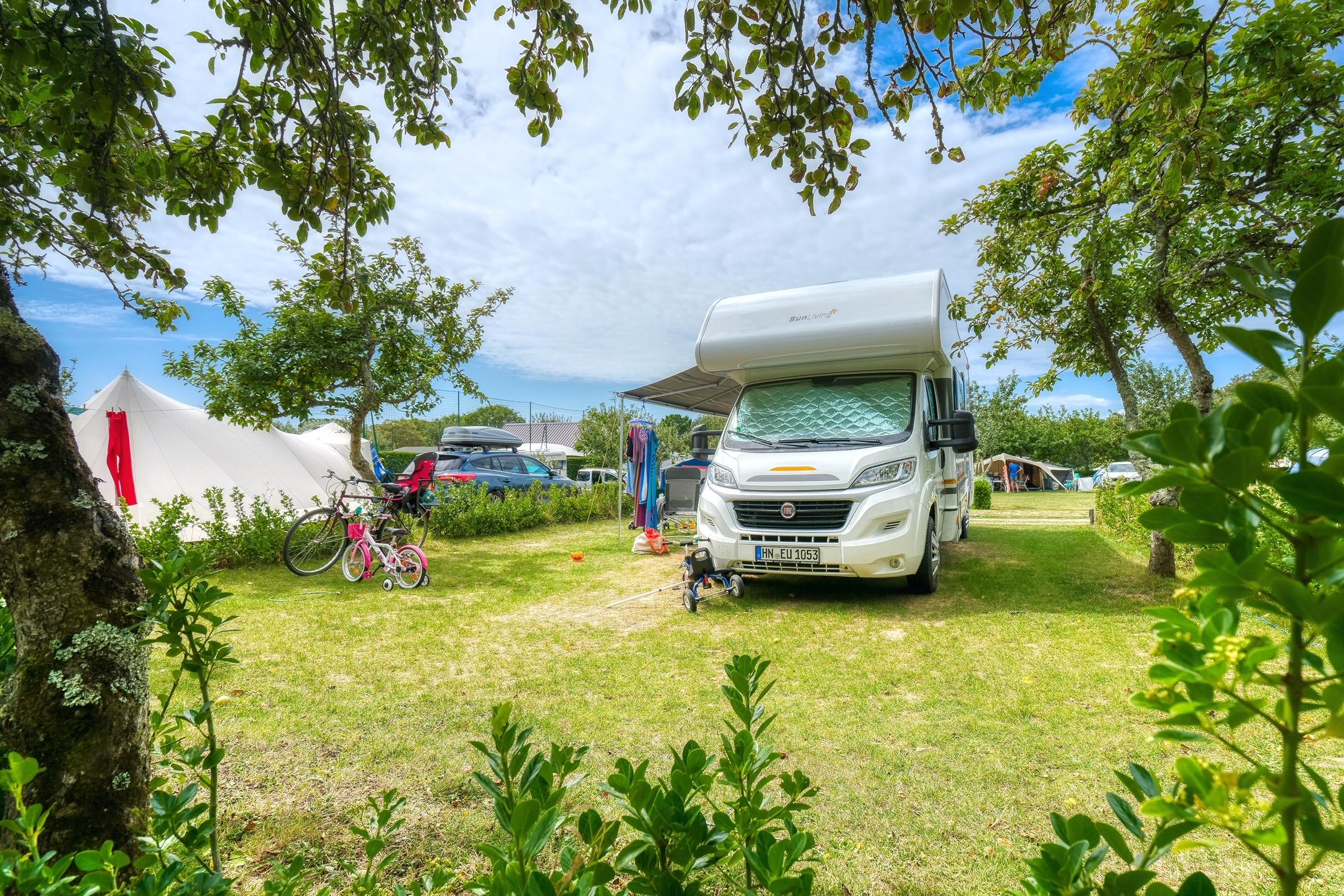 Emplacement - Emplacement Espace Confort - Camping Les Embruns