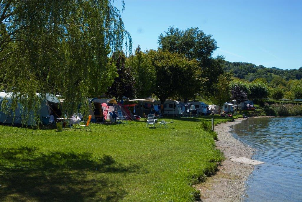 Pitch - Beach Package (Car, Tent, Caravan Or Camping-Car, With Electricity) - Camping Lac du Lit du Roi