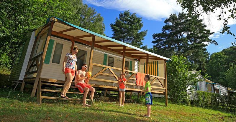 Camping Campéole le Coiroux, Aubazine, Corrèze