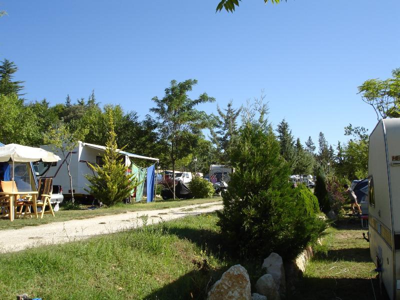 Pitch + 1 car + tent , caravan or camping-car + electricity