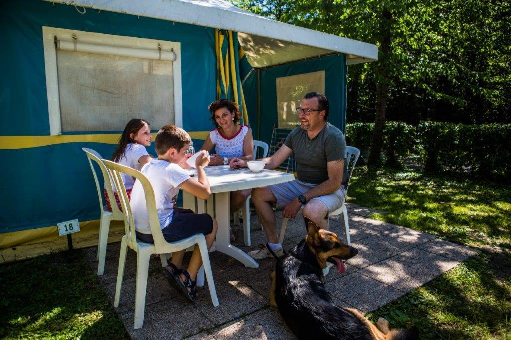 Location - Btm Bengali Trigano 16M² Sans Sanitaire - 2 Chambres - - Camping Lac de Carouge