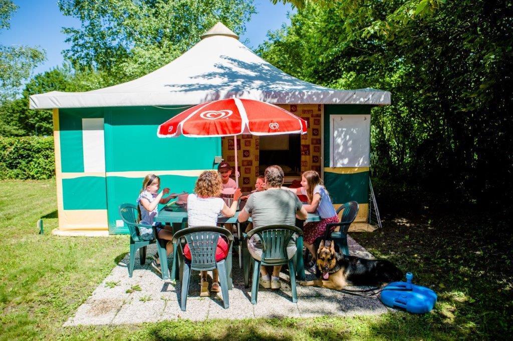 Location - Btm Kiwi Trigano 25M² Sans Sanitaire - 2 Chambres - - Camping Lac de Carouge