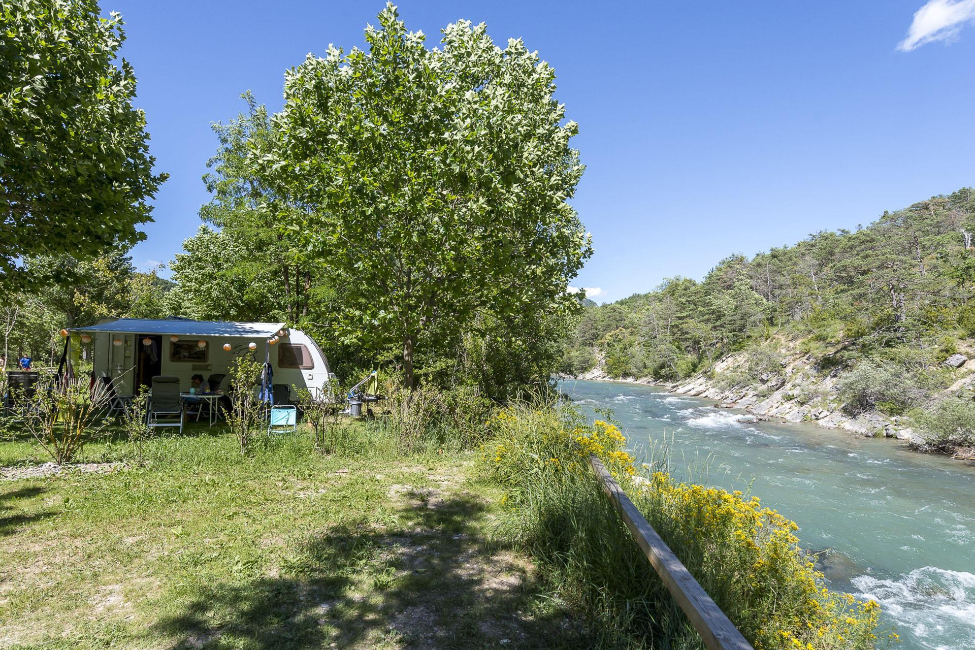 Emplacement - Forfait Bord De L'eau ** - Camping Sandaya Domaine du Verdon