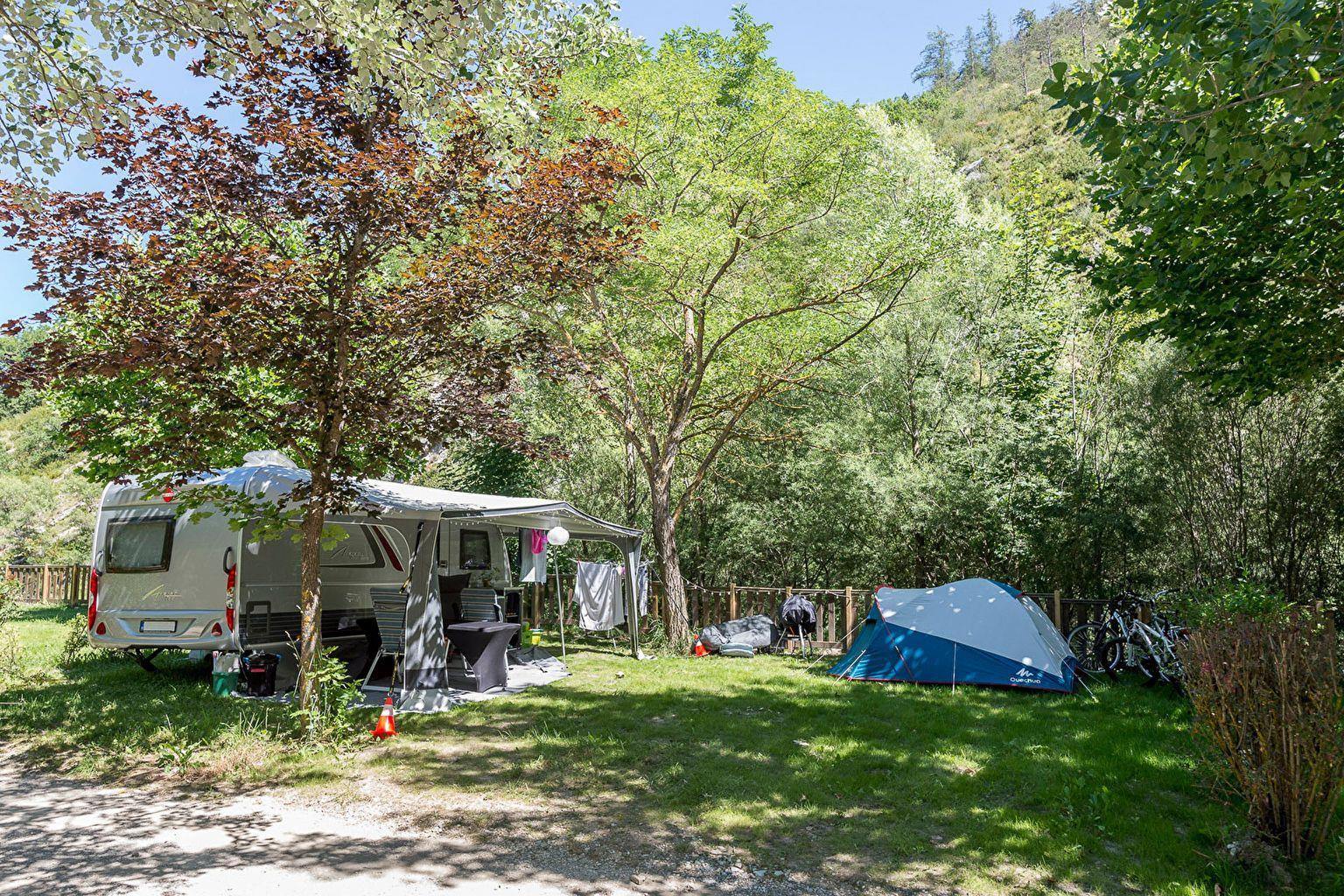 Emplacement - Forfait Bord De L'eau **** - Camping Sandaya Domaine du Verdon