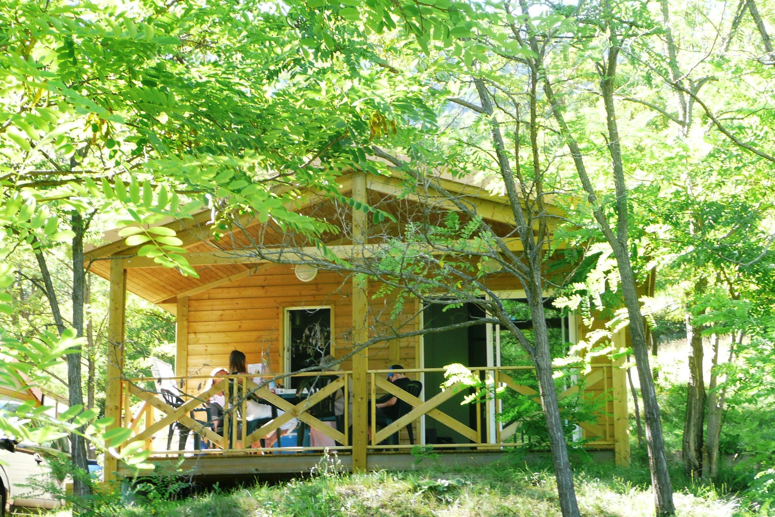 Location - Chalet 'Detente 2012' - Domaine Chasteuil Provence