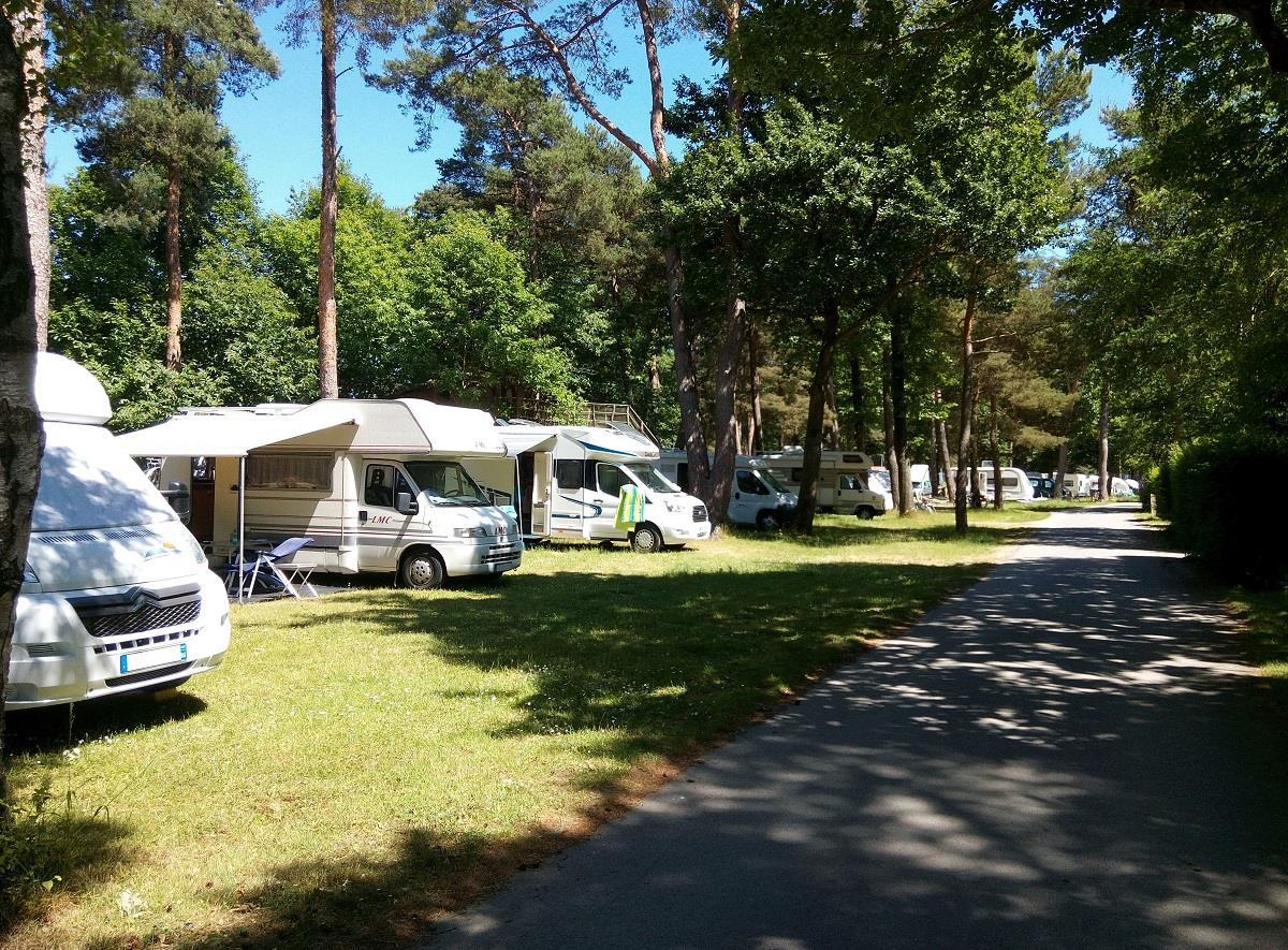 Emplacement - Emplacement Tente/Caravane/Camping-Car - Camping Héliomonde