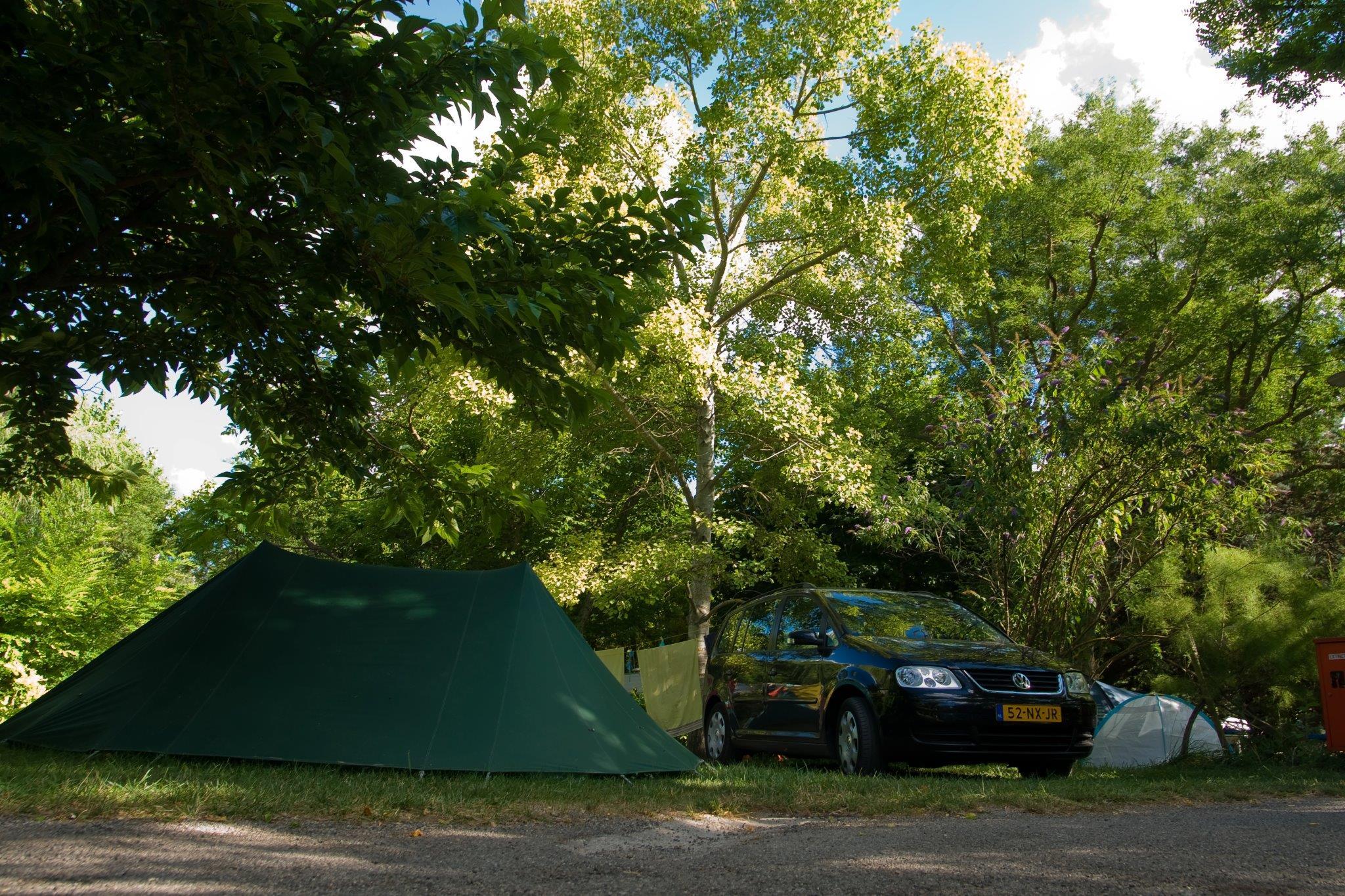 Kampeerplaats tent, caravan of camper